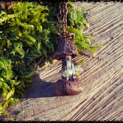 Little Magic Mushroom Pendant - Copper Electroformed - Quartz Crystal Points - OOAK, Healing, Meditation, yoga, new age, hippy