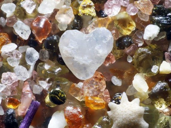 Heart global sand mix copy 570x428 - How to find FREE Crystals, Gemstones and Minerals