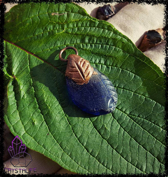 beach glass copper pendant crystal pendant gemstone jewellery 5a21b638 570x600 - Beach Glass + Copper Pendant