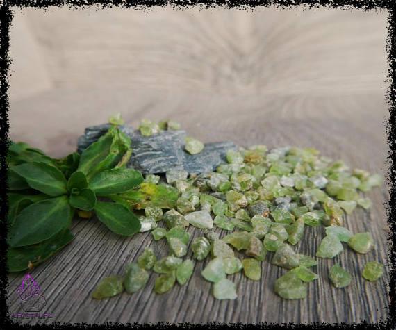 green peridot gemstones uncut 100 carats 5a21b0d4 - GREEN PERIDOT GEMSTONES Uncut 100 Carats