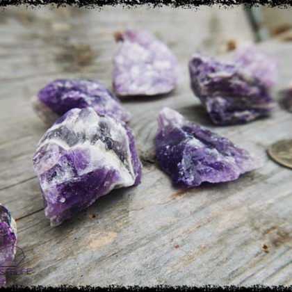 raw amethyst crystal 5b226d1c 420x420 - The Curious, Curing Power of Copper Jewellery