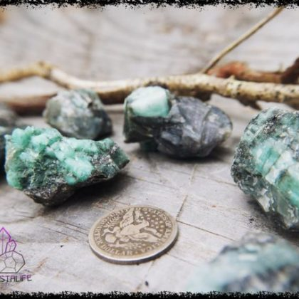 raw emerald crystal 5b226c7a 420x420 - The Curious, Curing Power of Copper Jewellery