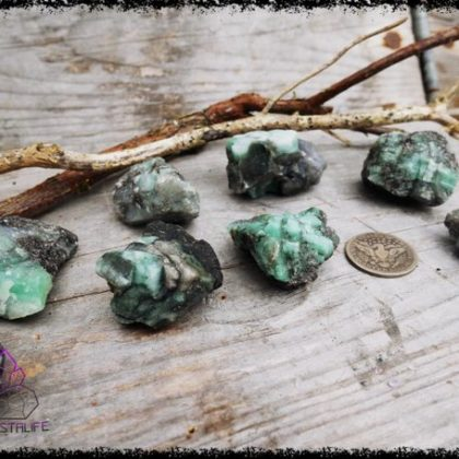 raw emerald crystal 5b226c8b 420x420 - The Curious, Curing Power of Copper Jewellery