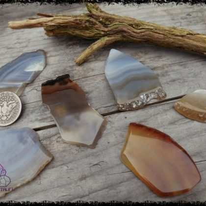 agate slice crystal 5b55b0ce 420x420 - Handmade Crystal Jewelry for the Soul. Feed your Gemstone Obsession.