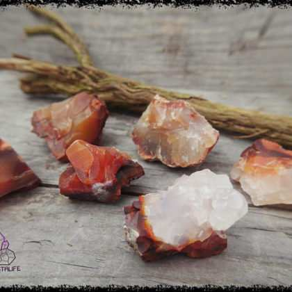 carnelian agate crystal 5b55ae4e 420x420 - The Curious, Curing Power of Copper Jewellery